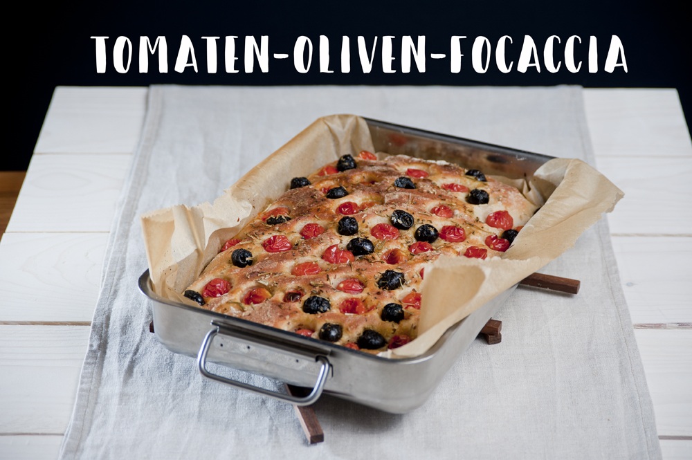 Tomaten-Oliven-Focaccia im Überblick. :)
