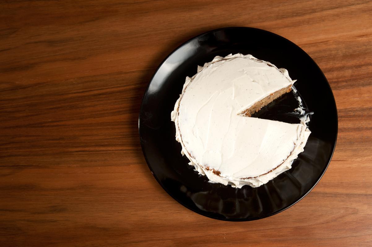 Pastinakenkuchen mit Dinkelmehl und Braunhirse