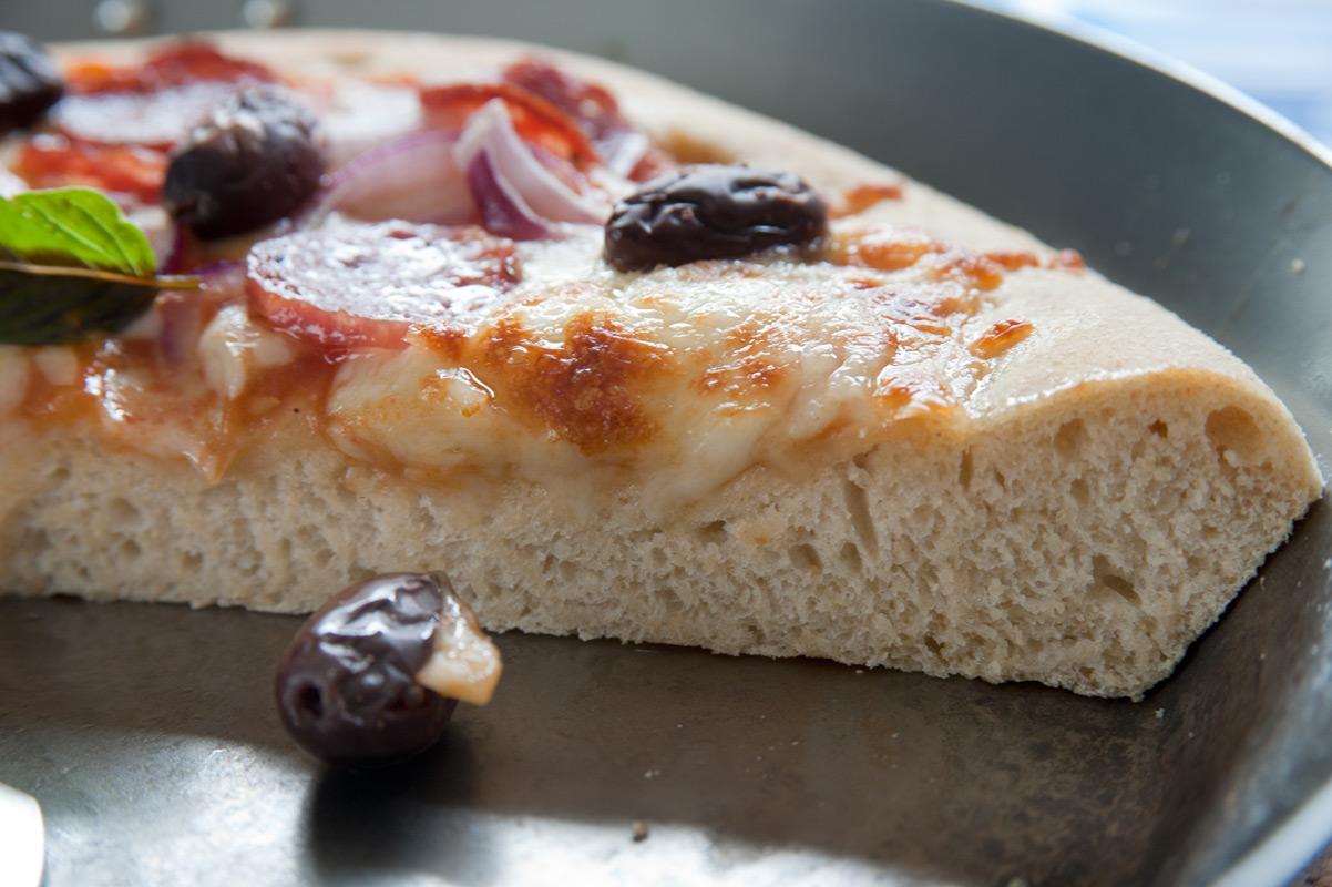 Amerikanische Pan Pizza Chicago Style