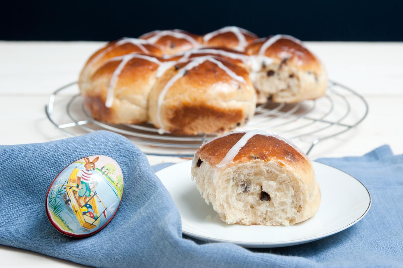 Hot Cross Buns Hefeteig Gebäck zu Ostern