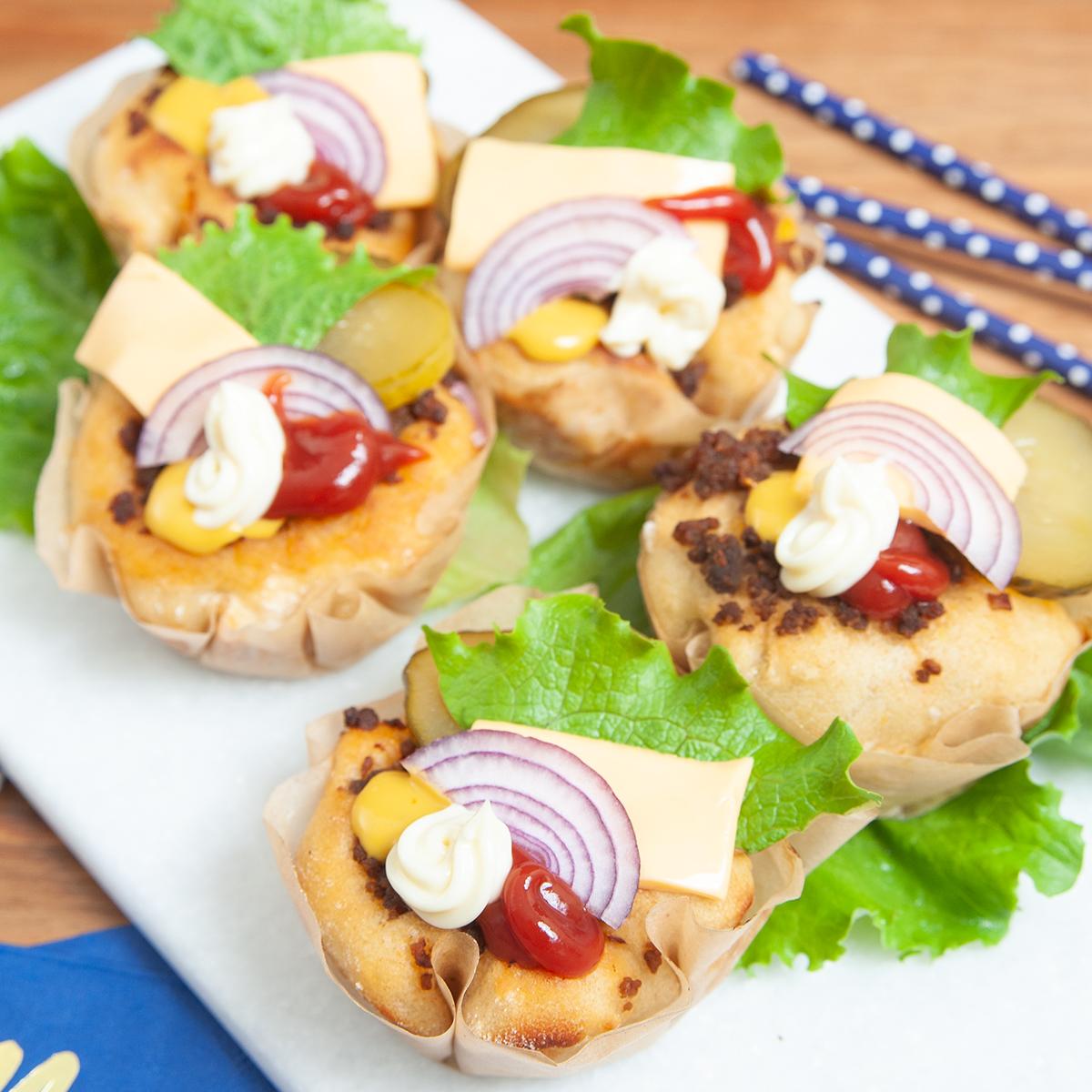 Kleine Burger in Muffin-Form