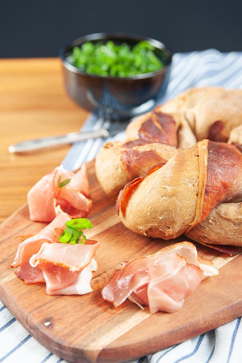 Walnuss-Brot mit einer Backmischung von backdeinbrot