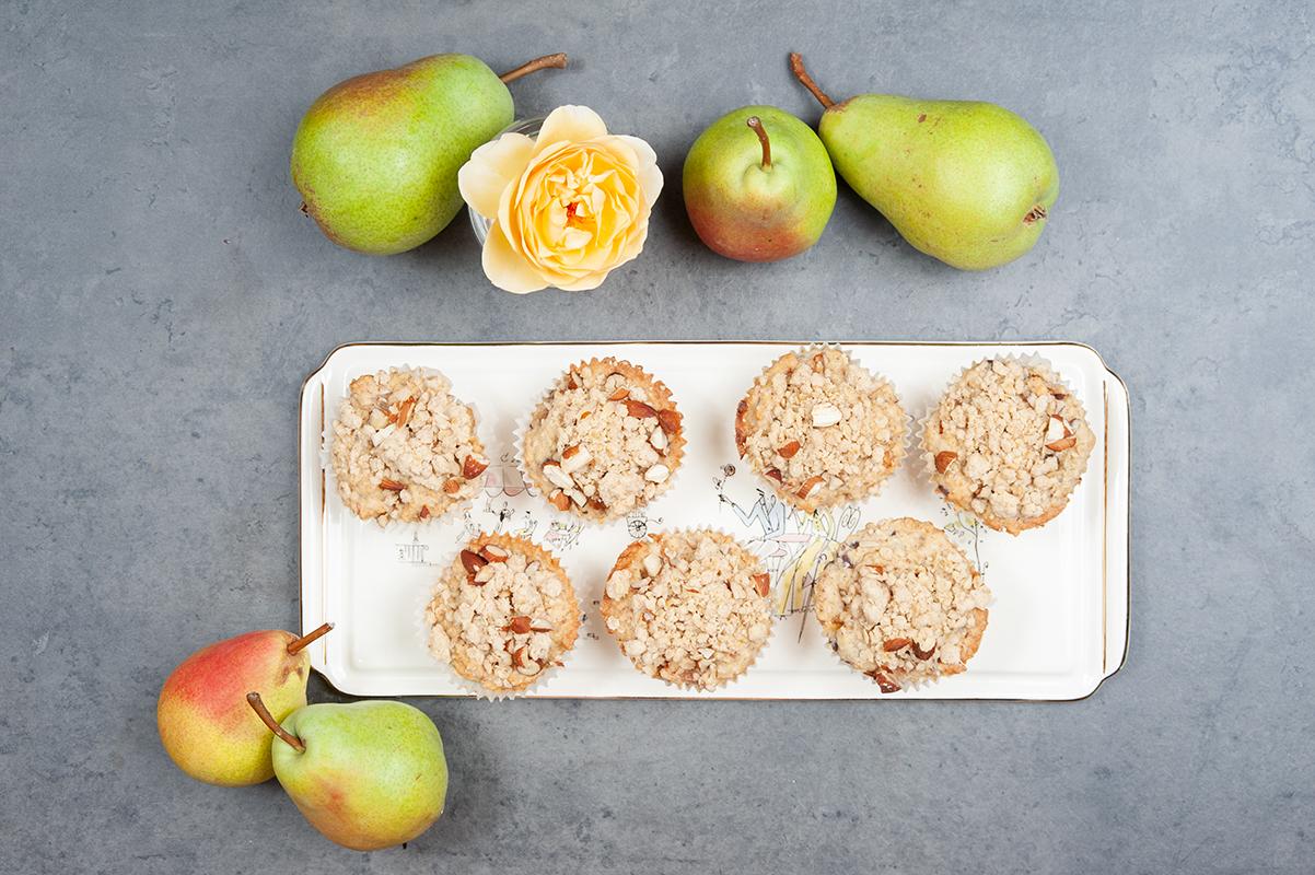 Muffins mit Haferflocken und Birnen