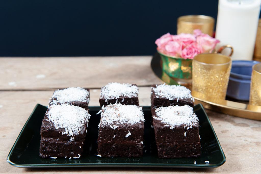 Ein kleiner Traum mit dunkler Schokolade und Kokosflocken...