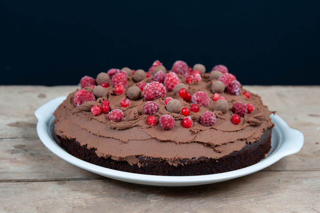 Devil's Food Cake - saftiger Schokokuchen mit Dinkelmehl