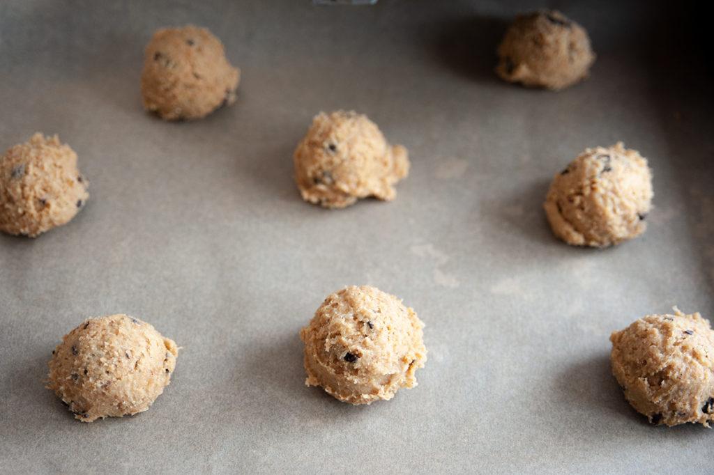 Life-Hack: Mit dem Eisportionierer gleichmäßige Cookies formen.